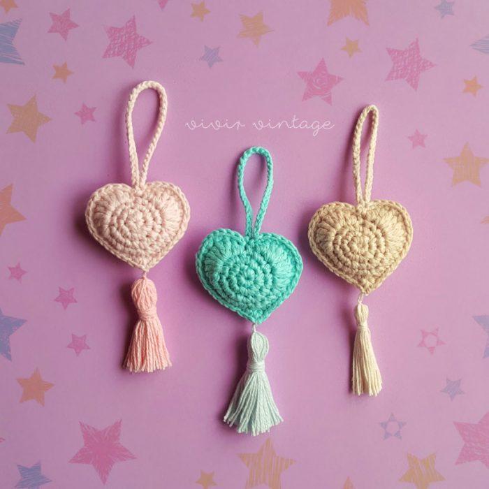 Patrón gratis colgante o llavero corazón crochet