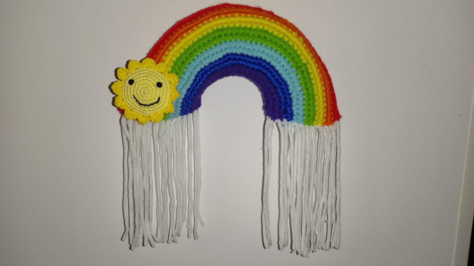 Patron gratis arcoiris sol y lluvia