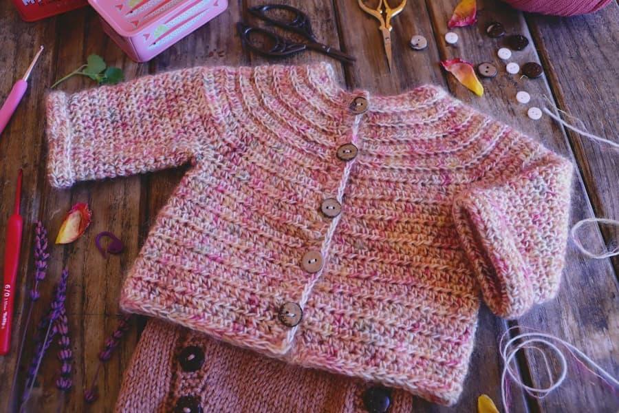 patrón gratis jersey amelia bebé crochet