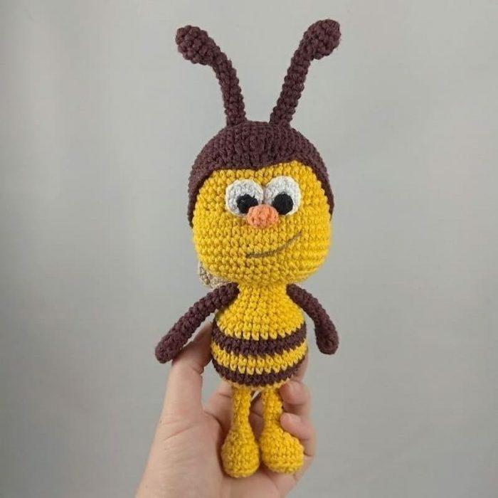 Abejita bichikids amigurumi a crochet