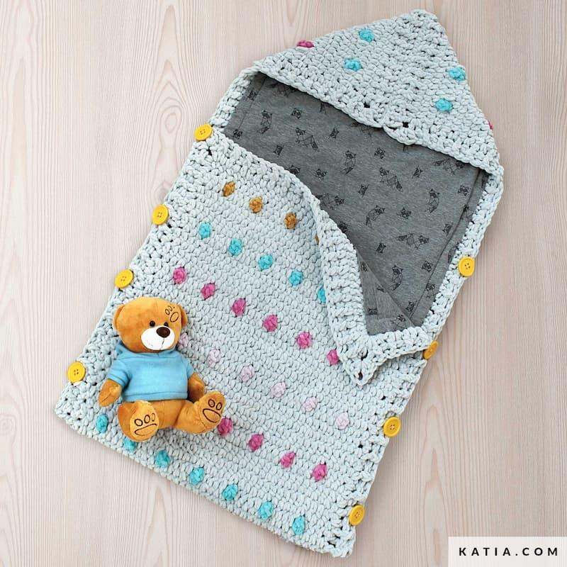 Patrón gratis saco bebé crochet